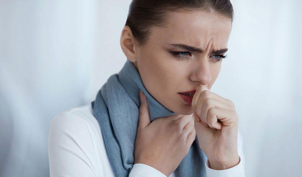 喉咙干不只是感冒!看懂5大原因对症下药