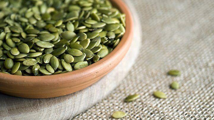 坚果和种子可以保持精力充沛