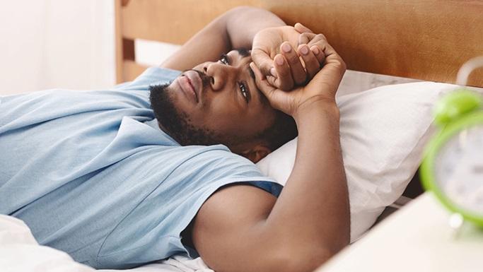 为什么在冠状病毒爆发期间晚上睡个好觉很重要
