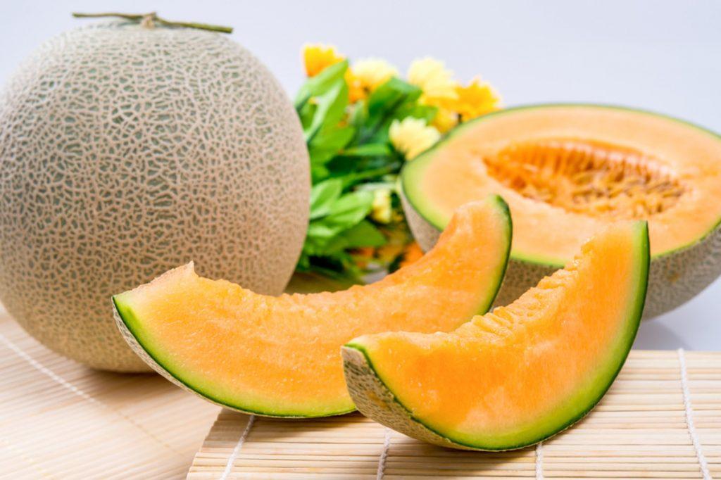 """个哈密瓜的营养成分及健康益处"""""""