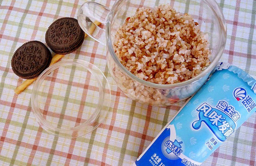 吃糙米养生却消化不良?煮饭加一匙酸奶更好吸收、营养也加倍
