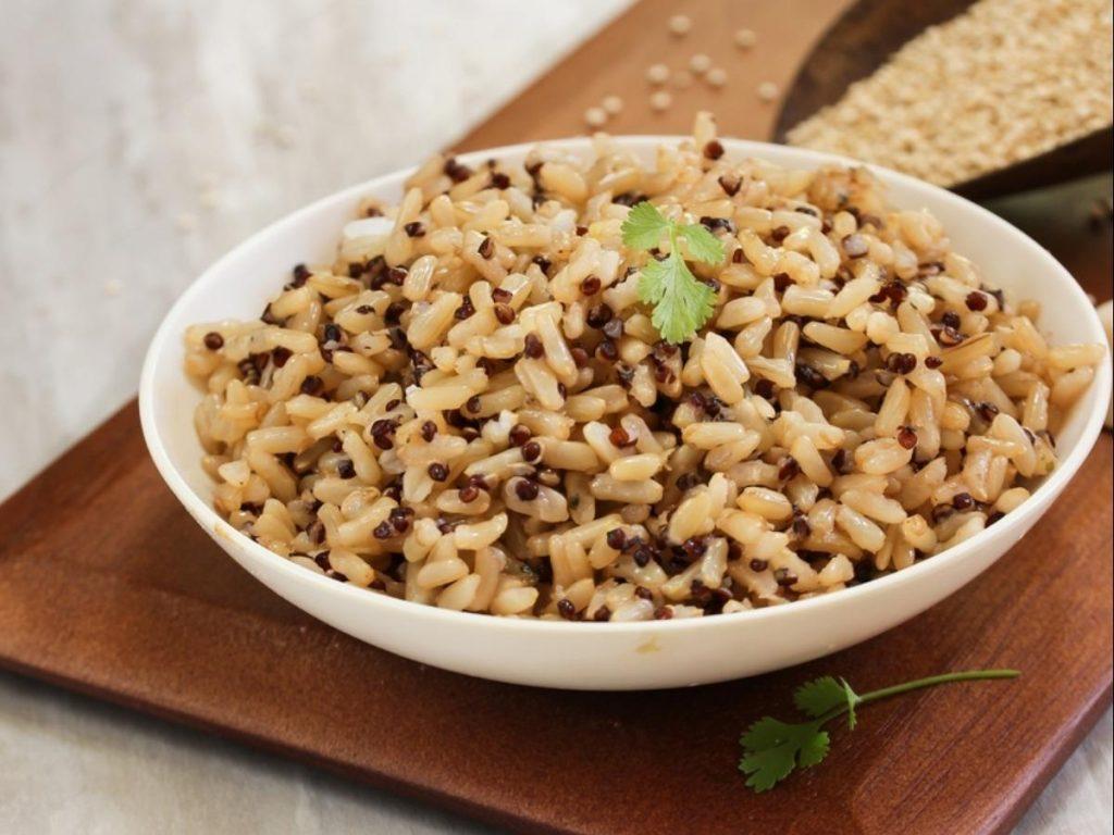 糙米含镁量是白米5倍!4食材帮你解决便秘水肿问题
