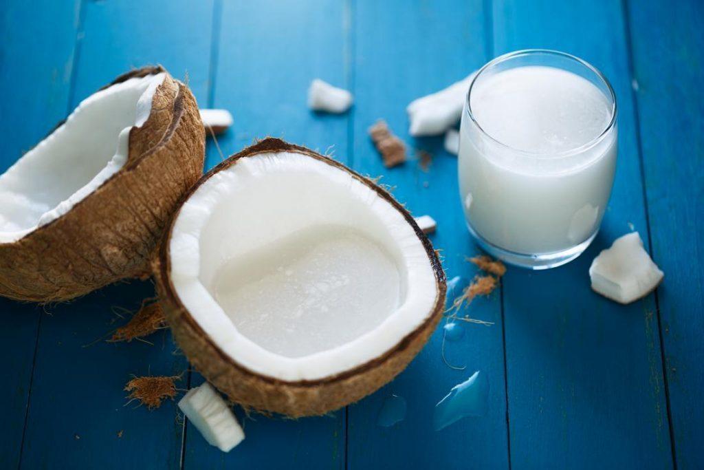 椰奶适合添加到生酮饮食吗?