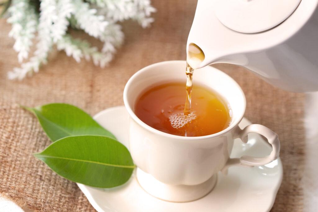 想养生,吃灵药不如多喝茶!中医养生家每天用这3杯顾好脾胃心神
