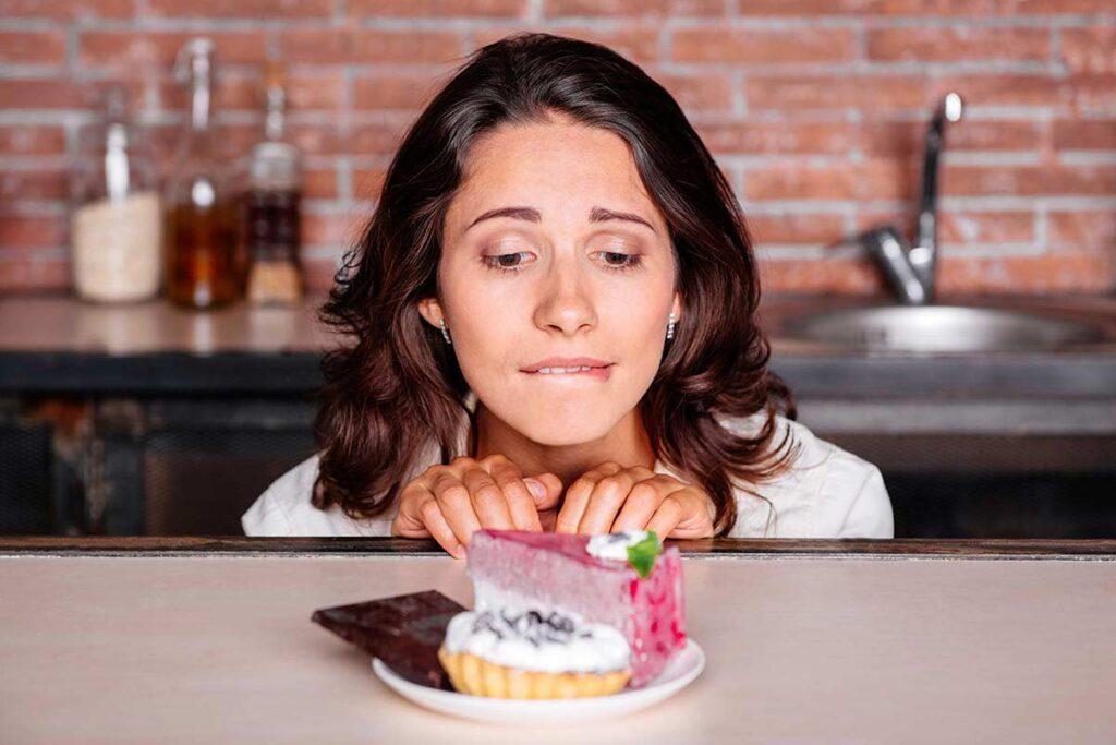 这些饭后习惯很伤胃、伤胰脏!医:吃饱饭别再做这5件事