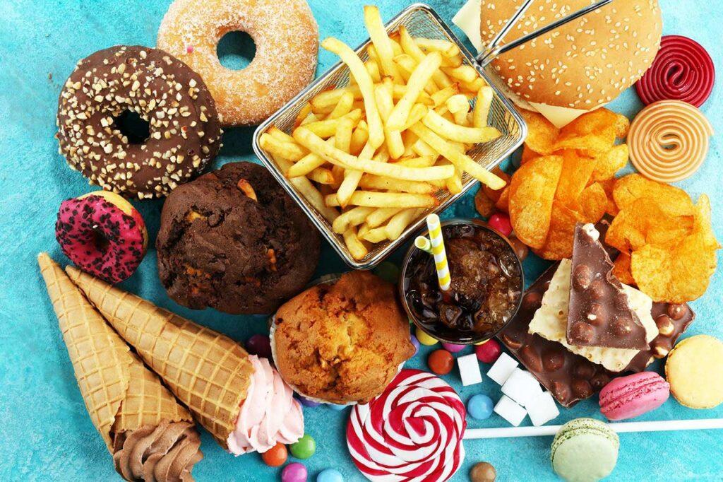 垃圾食品会影响青少年睡眠!《临床医学》:每周吃四次速食提高55%睡眠障碍