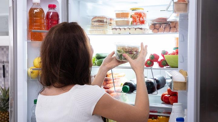夏日到慎防食物中毒营养师:剩菜直接冰!快速通过「危险温度带」