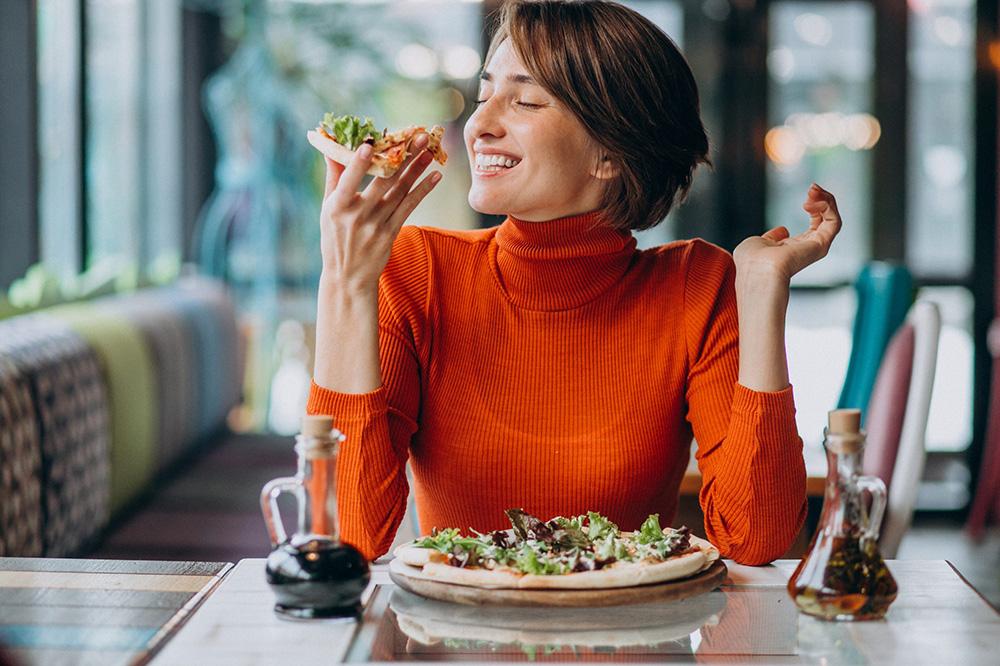 「正念饮食」降低焦虑感!营养师:创造仪式感,把自己当贵宾款待!